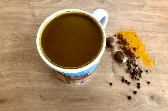Ciocolată caldă sau turmeric latte?